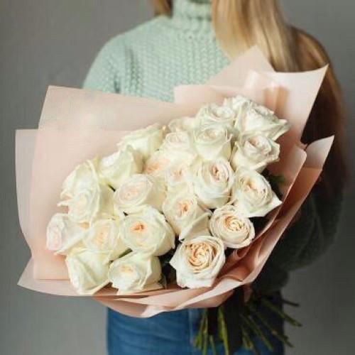 Купить на заказ Заказать Букет из 31 белой розы с доставкой по Алматы с доставкой в Алматы