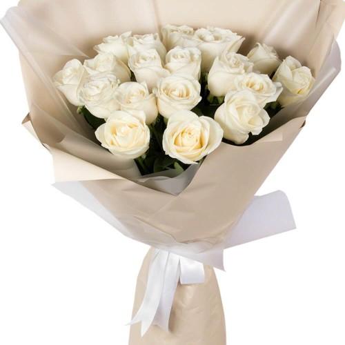 Купить на заказ Букет из 19 белых роз с доставкой в Алматы