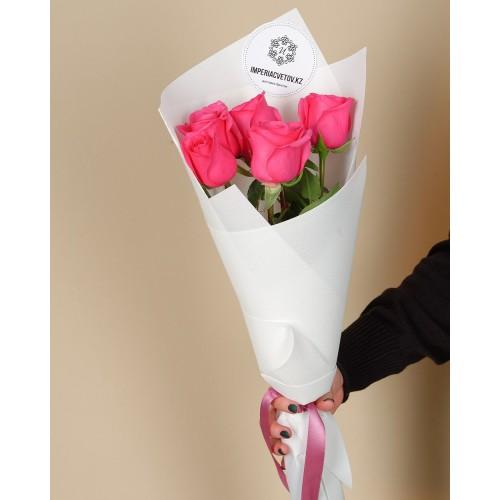Купить на заказ Букет из 5 розовых роз с доставкой в Алматы