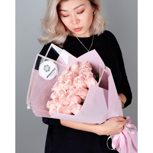 Купить на заказ Заказать Букет из 25 розовых роз с доставкой по Алматы с доставкой в Алматы
