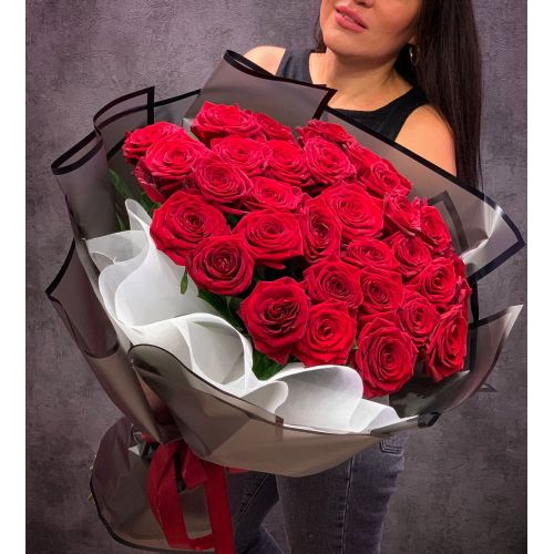 Купить на заказ Букет из 35 красных роз с доставкой в Алматы