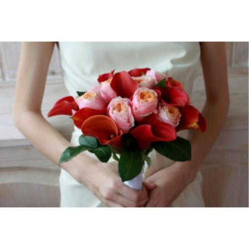 Купить на заказ Букет невесты с розами и каллами с доставкой в Алматы