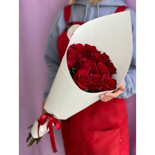 Купить на заказ Заказать 15 красных роз с доставкой по Алматы с доставкой в Алматы