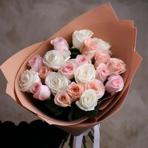 Купить на заказ Заказать Букет из 21 розы (микс) с доставкой по Алматы с доставкой в Алматы