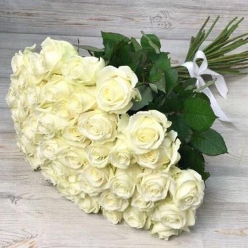 Купить на заказ Заказать Букет из 51 белой розы с доставкой по Алматы с доставкой в Алматы