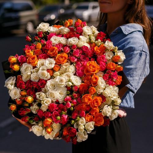 Купить на заказ Заказать Букет из 51 спрей  розы с доставкой по Алматы с доставкой в Алматы