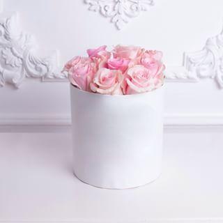 Розы в коробке Алматы